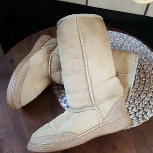 UGG Tall pull on sheepskin boots Size 8